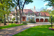 990 Ringwood Rd, Lake Forest