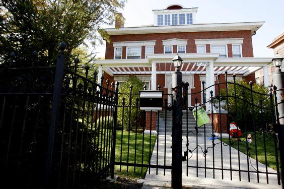 President-Barack-Obama-Kenwood-Chicago-home-anthony-rouches-at-properties-lot