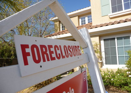 corelogic-national-foreclosure-report-december-2013-serious-delinquencies-foreclosures-housing-recovery
