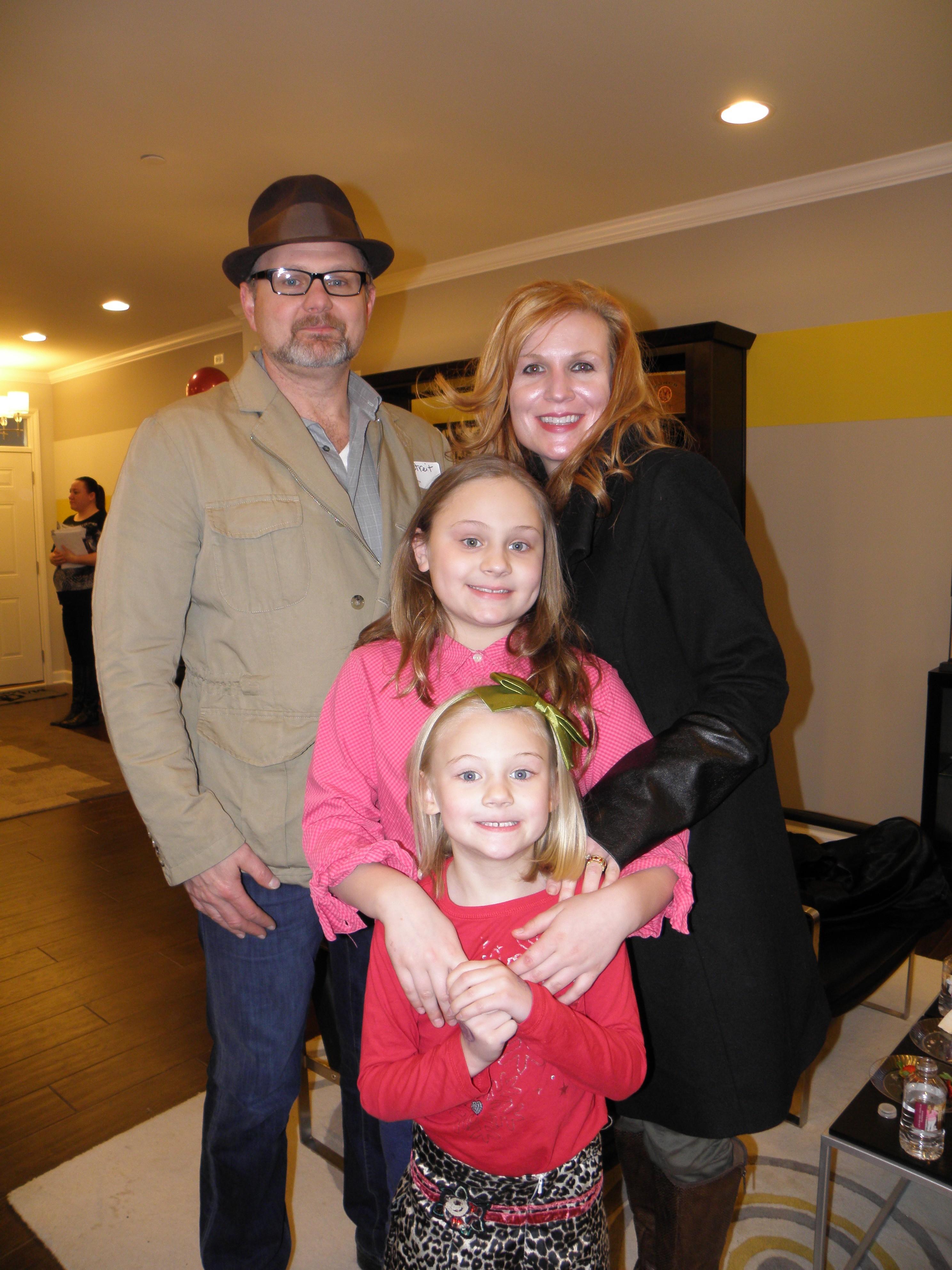 Steve-Wendy-standing-Zoey-middle-Penelope-front-Streit-e1457717769451.jpg