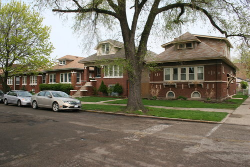 chicago-bungalows-neighborhood-homes