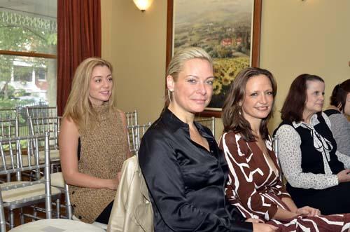 002.Danielle-Dowell-Shannon-Kelly-Melanie-Giglio-Vakos-JPG.jpg