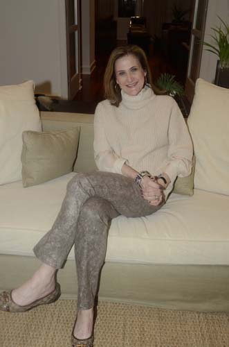 042-Suzanne-Gignillia-JPG.jpg