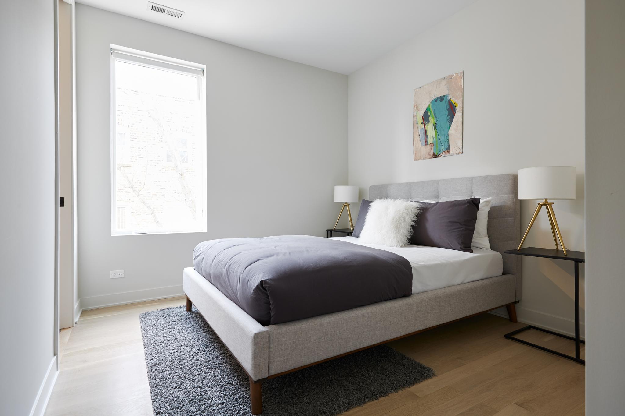 530Dickens_Bedroom2_7-scaled.jpg