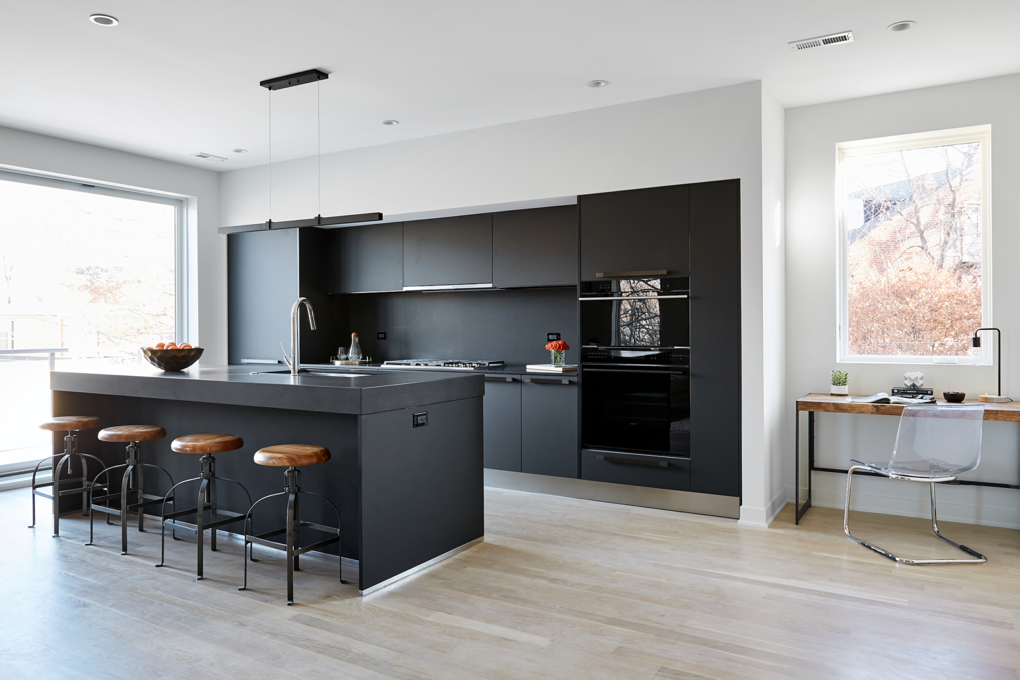 530Dickens_Kitchen_A_2-scaled.jpg