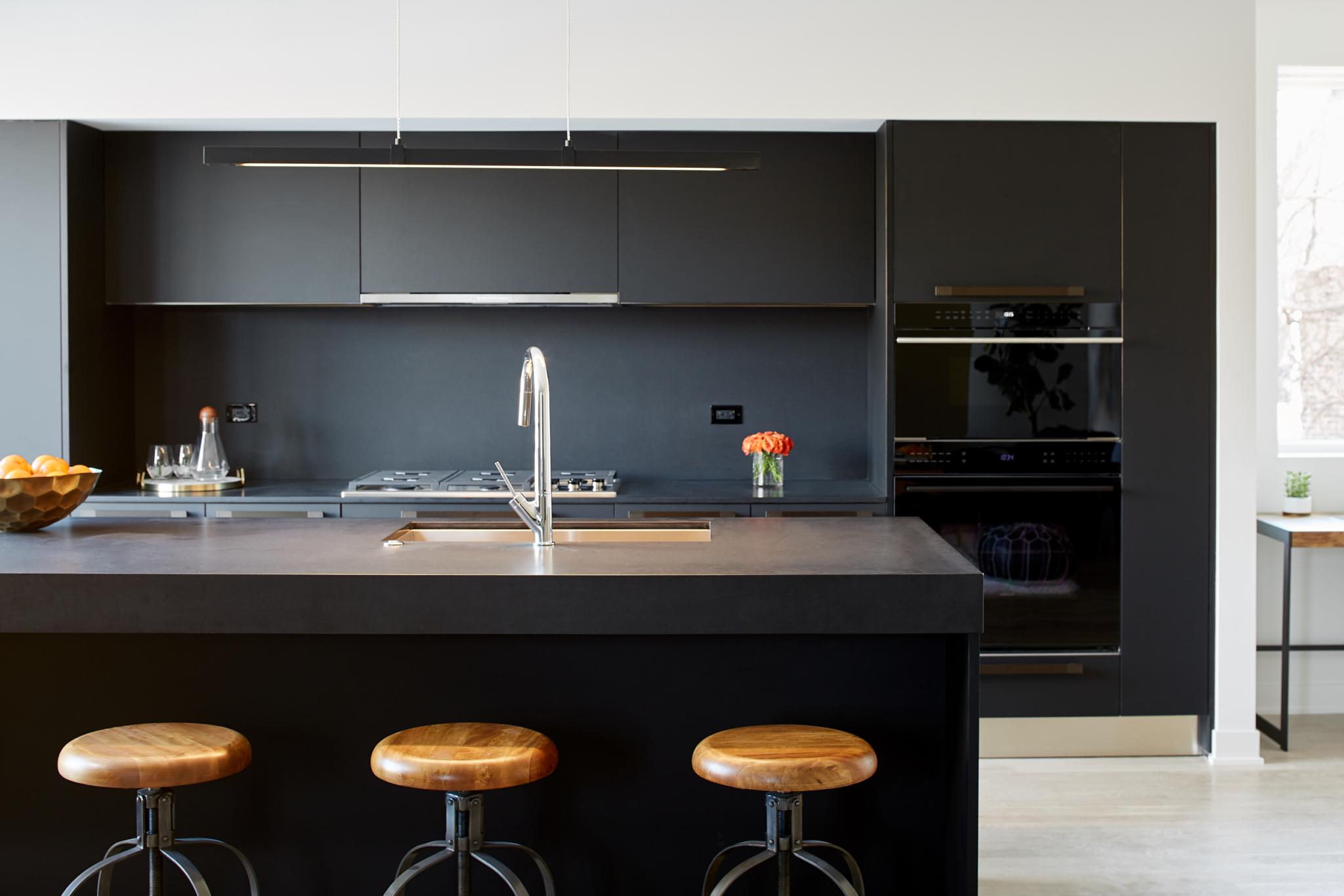 530Dickens_Kitchen_B_3-scaled.jpg