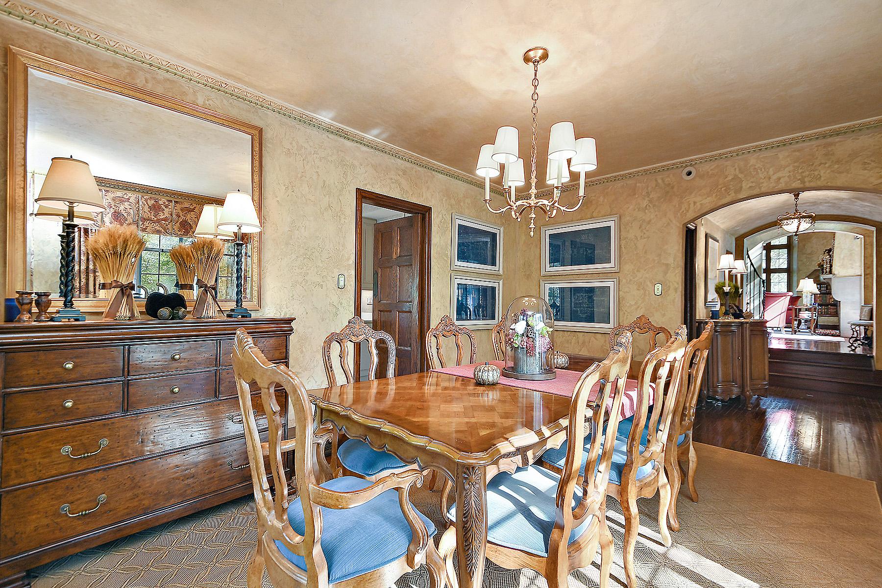 dining-room-02.jpg