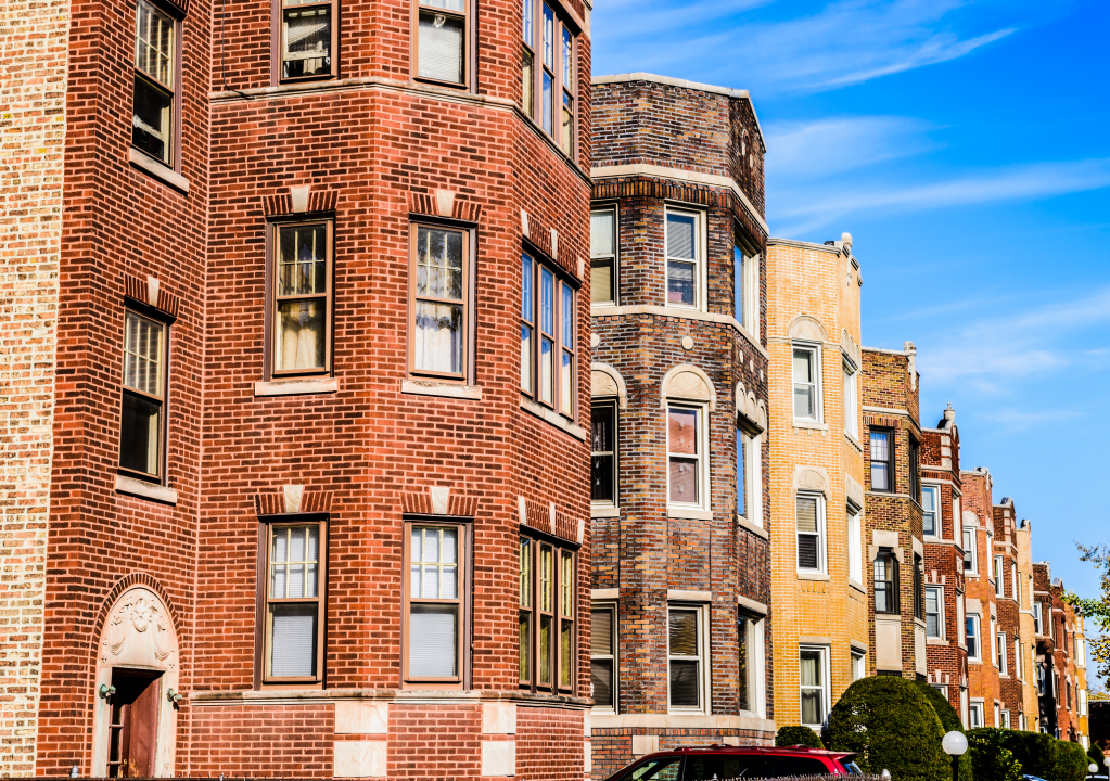 Real estate investors set their sights on Chicago