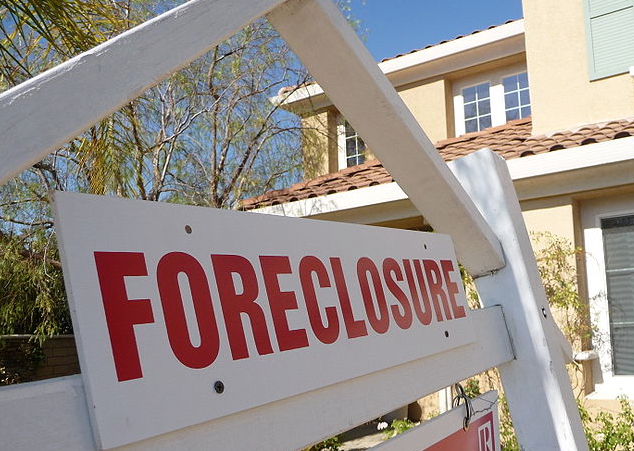 Foreclosure-serious-deliquency-2014-2013-CoreLogic-Analyses
