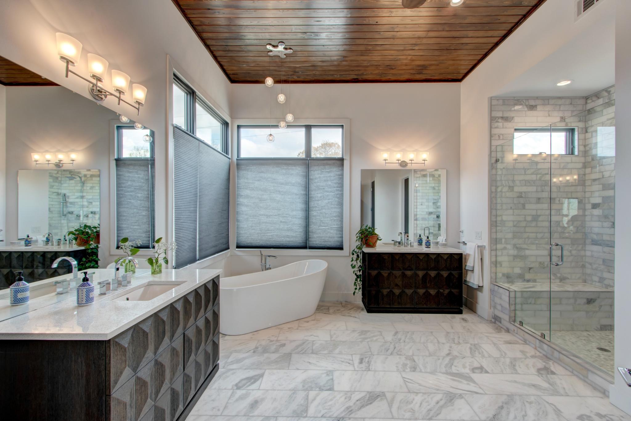 6-Flowery-Branch-6539-Bermuda-Lane-bathroom-scaled.jpg