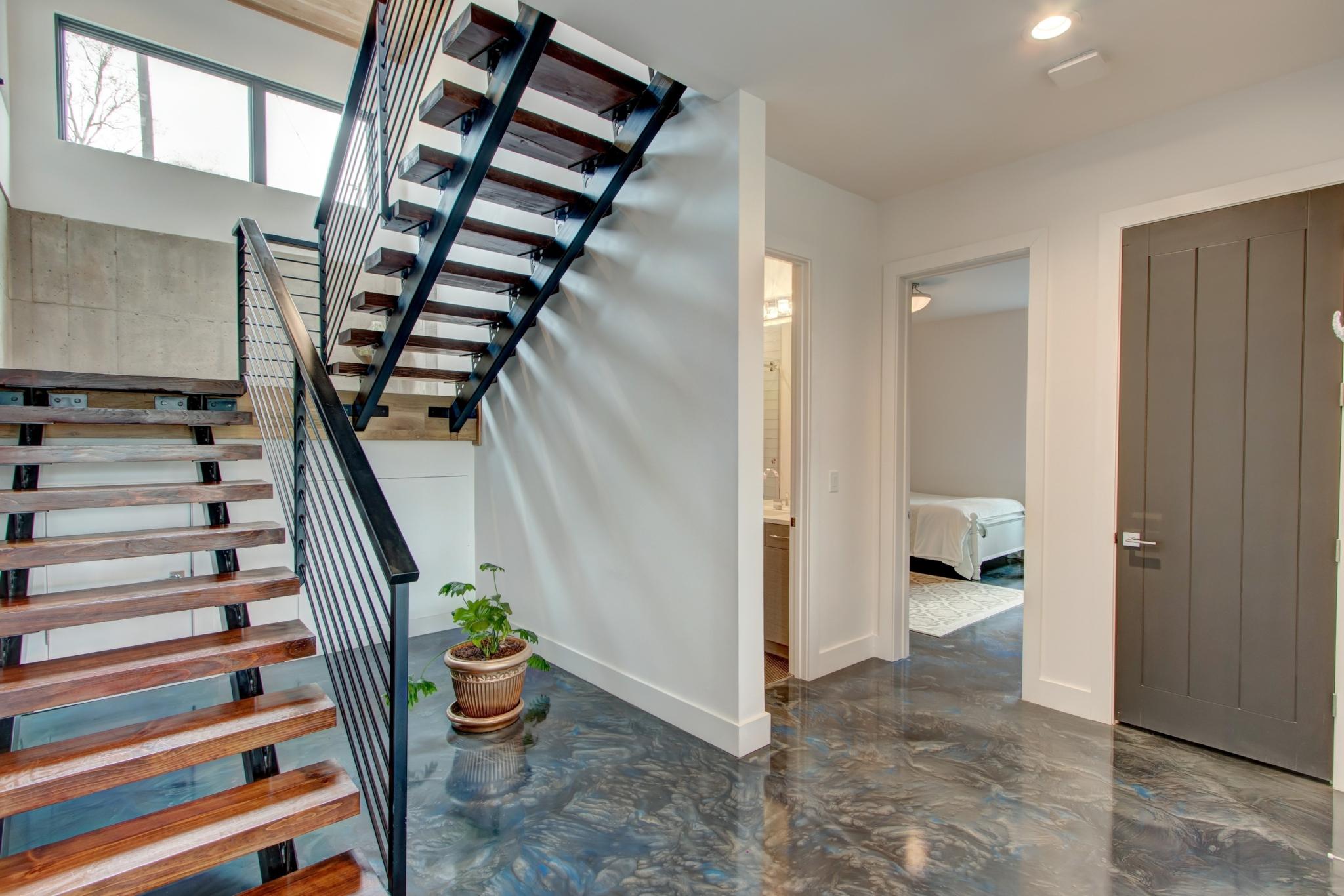7-Flowery-Branch-6539-Bermuda-Lane-stairs-1-scaled.jpg