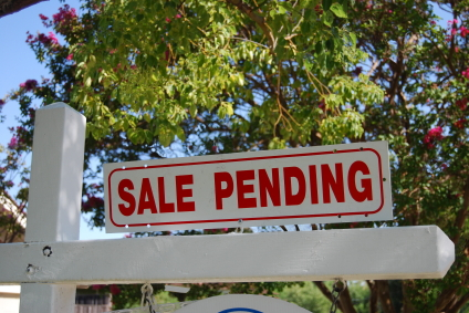 pending-home-sales-july-higher-mortgage-rates-housing-recovery-lawrence-yun