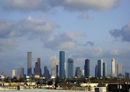 rsz_800px-skyline_from_n_durham_over_white_oak_bayou_houston_texas_0221101703