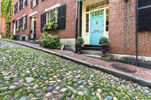 boston-neighborhoods-beacon-hill-spring-housing
